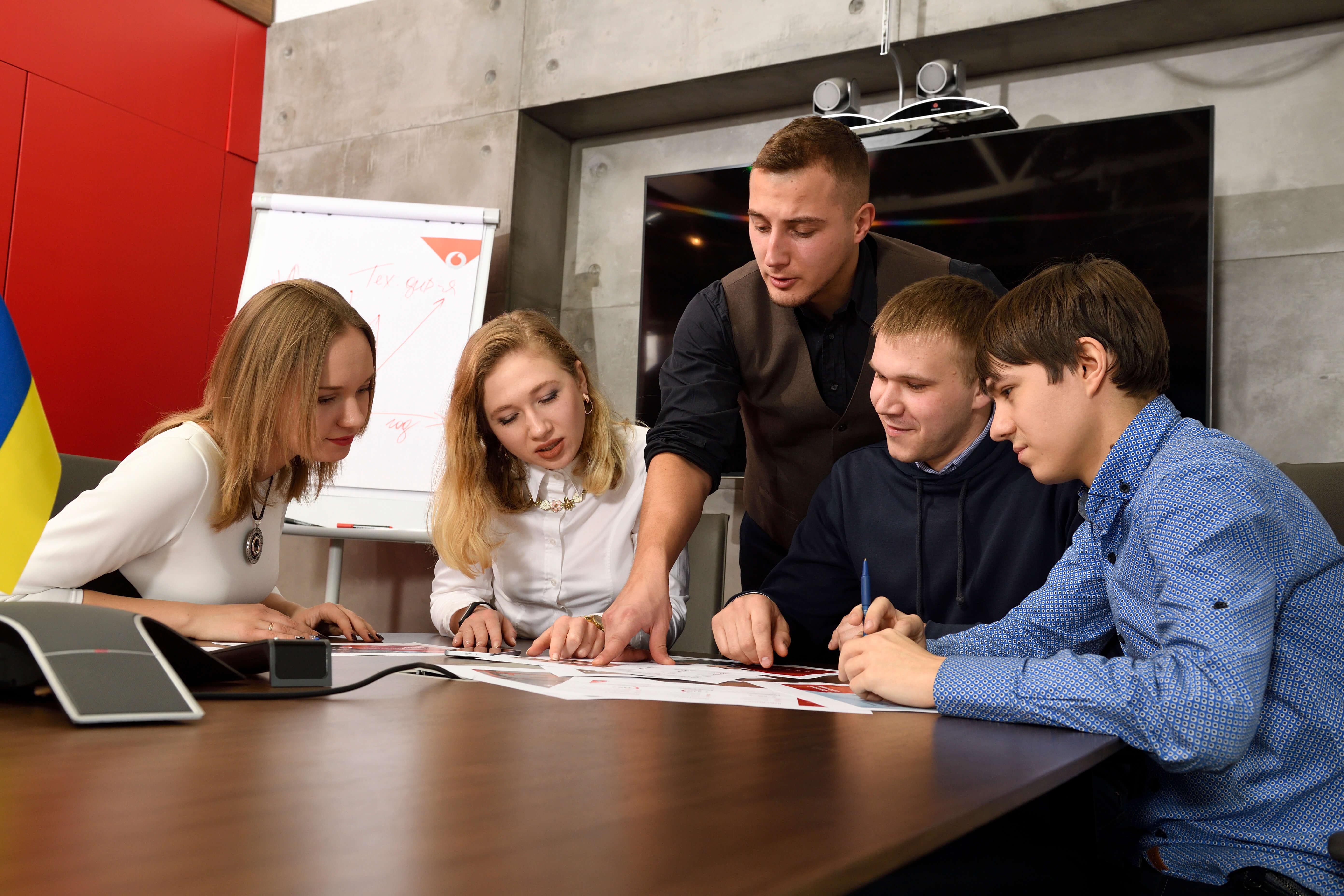 Попасть в Vodafone. Как живется молодым инженерам крупнейшего оператора связи