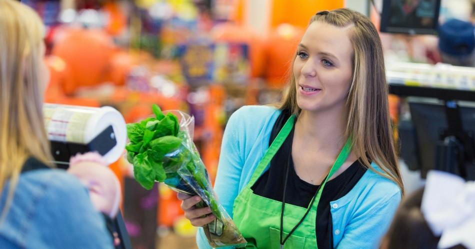 Работа в супермаркете: как выбрать работодателя