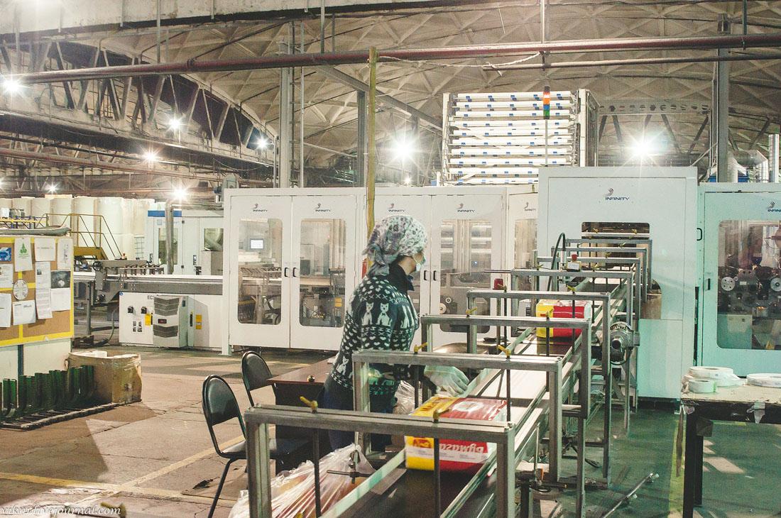 Редкие профессии: кто управляет рубительной машиной и как ИТ-специалисты делают мебель