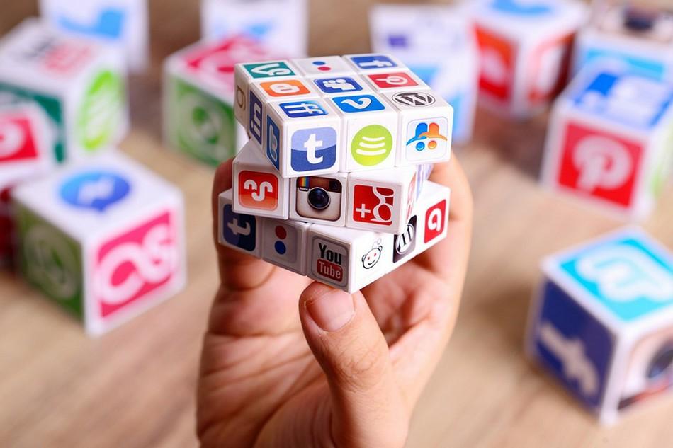 Активность работника в социальных сетях: может ли работодатель контролировать