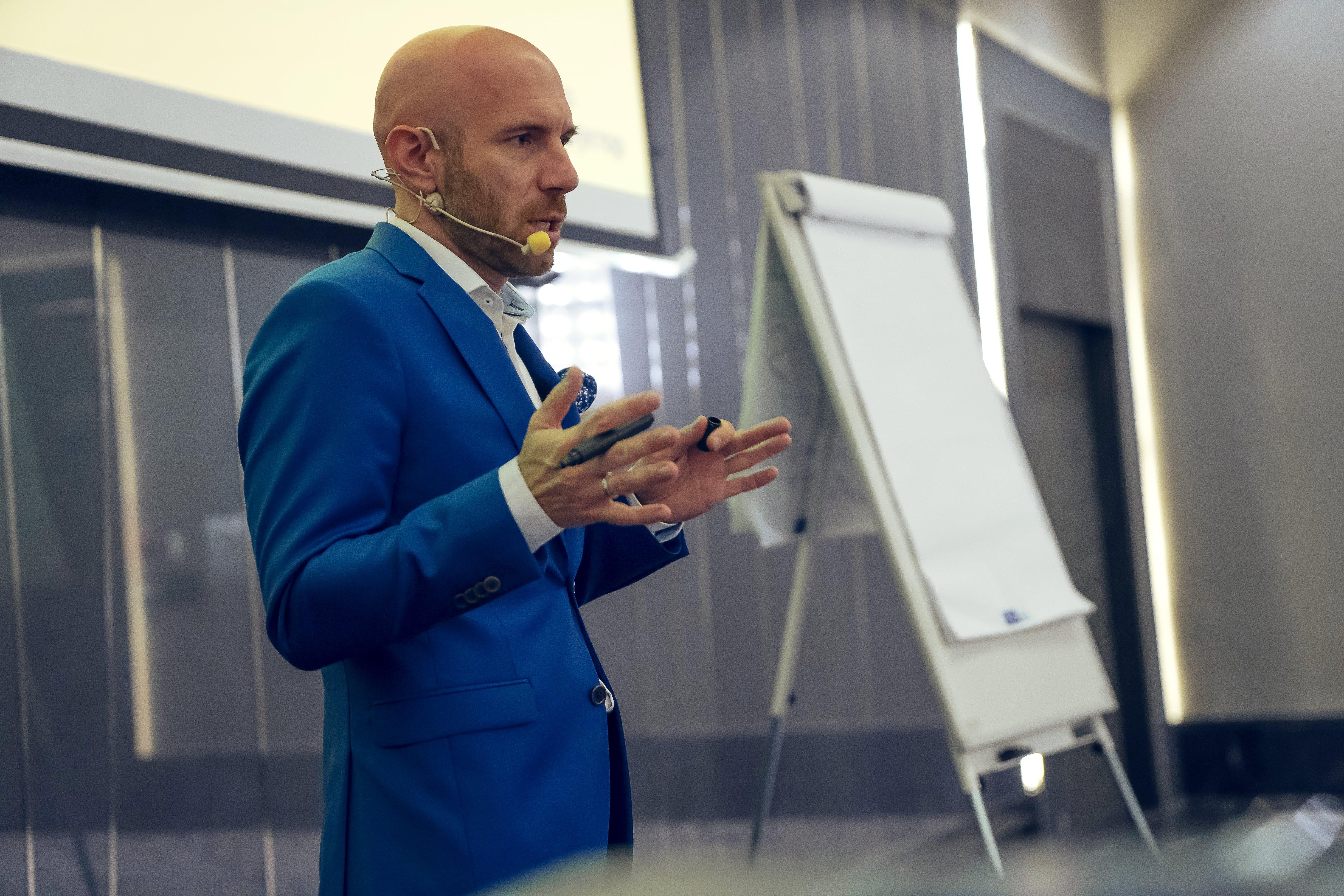 Как создать сильную команду: ТОП советов от Кирилла Куницкого